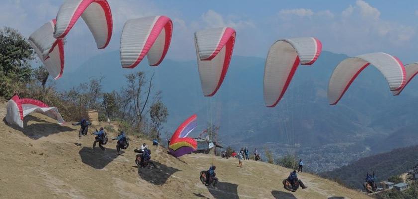 Parapente au Népal